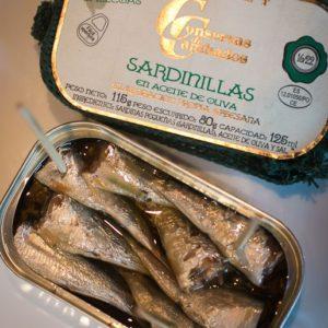 Sardines in Olive Oil (Sardinas en Aceite de Oliva)